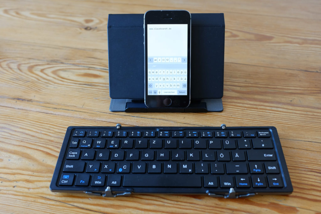 faltbare Bluetooth Tastatur und iPhone